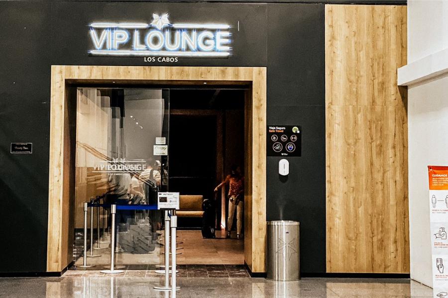 Entrance VIP Lounge